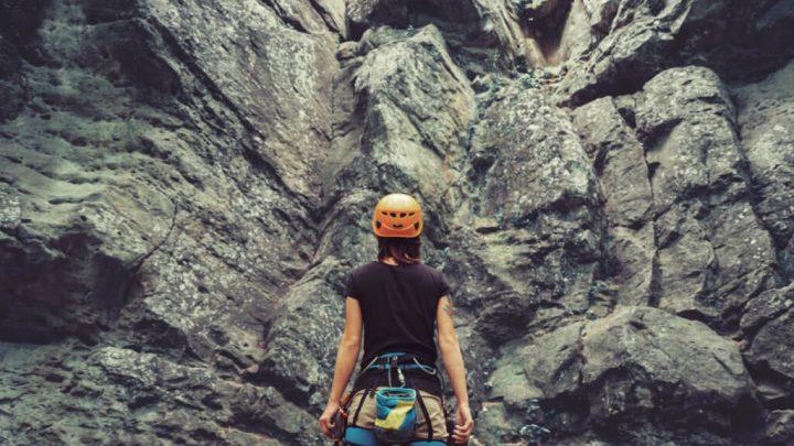 ¿Por qué inscribirse en un curso de escalada en roca para sus vacaciones de verano?