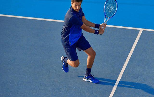 ¿Cómo sujetar correctamente la raqueta de tenis?